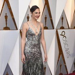 Gal Gadot  en la alfombra roja de los premios Oscar 2018