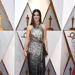 Sandra Bullock en la alfombra roja de los Premios Oscar 2018
