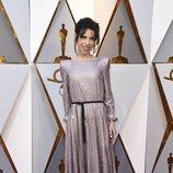Sally Hawkins posando en la alfombra roja de los Premios Oscar 2018