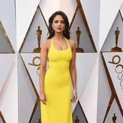 Eiza González en la alfombra roja de los Premios Oscar 2018