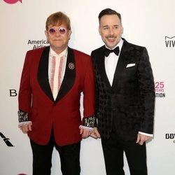 Elton John y David Furnish en la fiesta de la Fundación Elton John tras los Oscar 2018