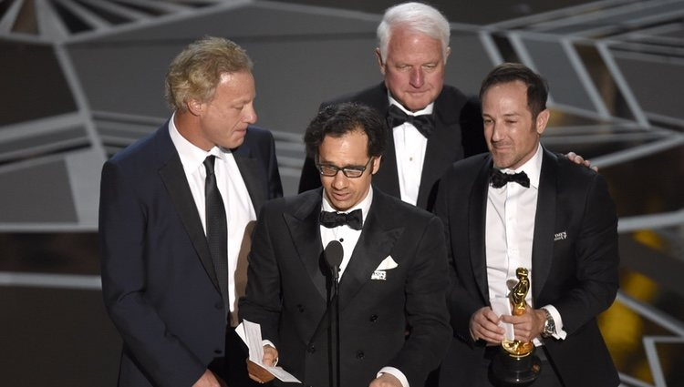 David Fialkow, Dan Cogan, James R. Swartz y Bryan Fogel ganan el Oscar 2018 a la mejor película documental