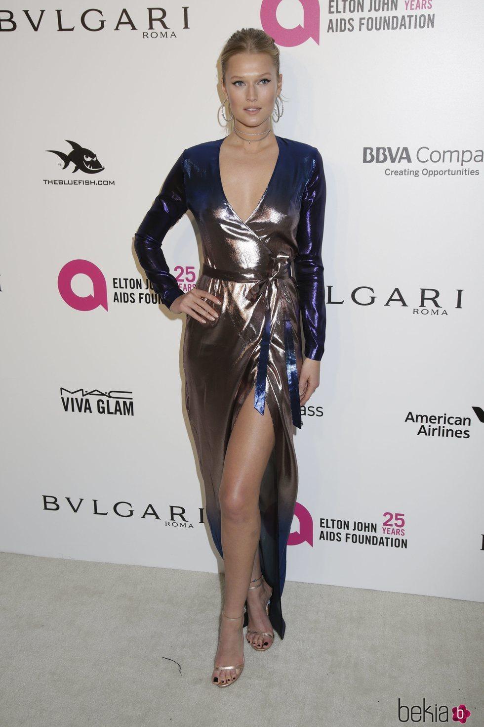 Toni Garrn en la fiesta de la Fundación Elton John tras los Oscar 2018
