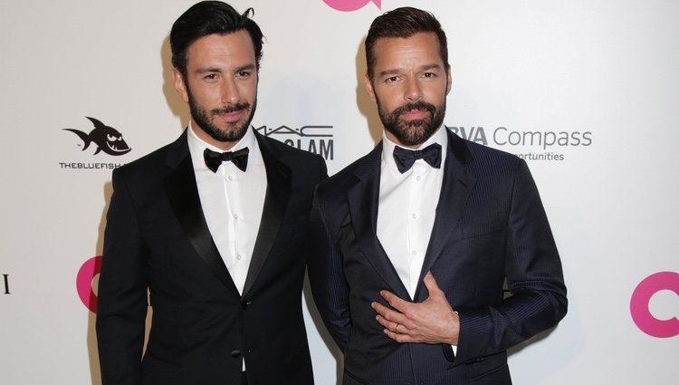 Ricky Martin y Jwan Yosef en la fiesta de la Fundación Elton John tras los Oscar 2018