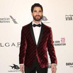 Darren Criss en la fiesta de la Fundación Elton John tras los Oscar 2018