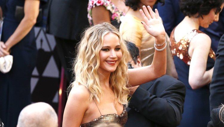 Jennifer Lawrence en la alfombra roja de los Óscars 2018