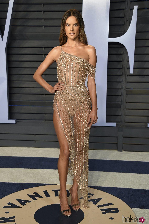 Alessandra Ambrosio  en la fiesta Vanity Fair tras los Oscar 2018