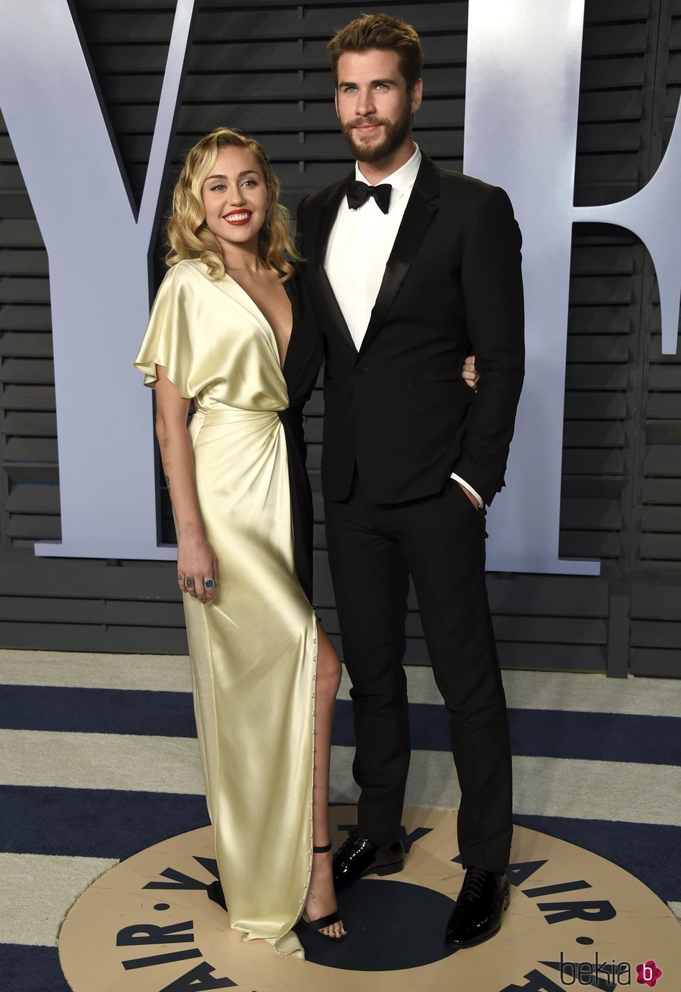 Miley Cyrus y Liam Hemsworth en la fiesta Vanity Fair tras