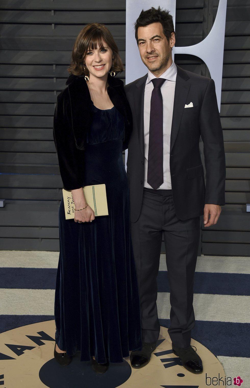 Zooey Deschanel y Jacob Pechenik en la fiesta Vanity Fair tras los Oscar 2018