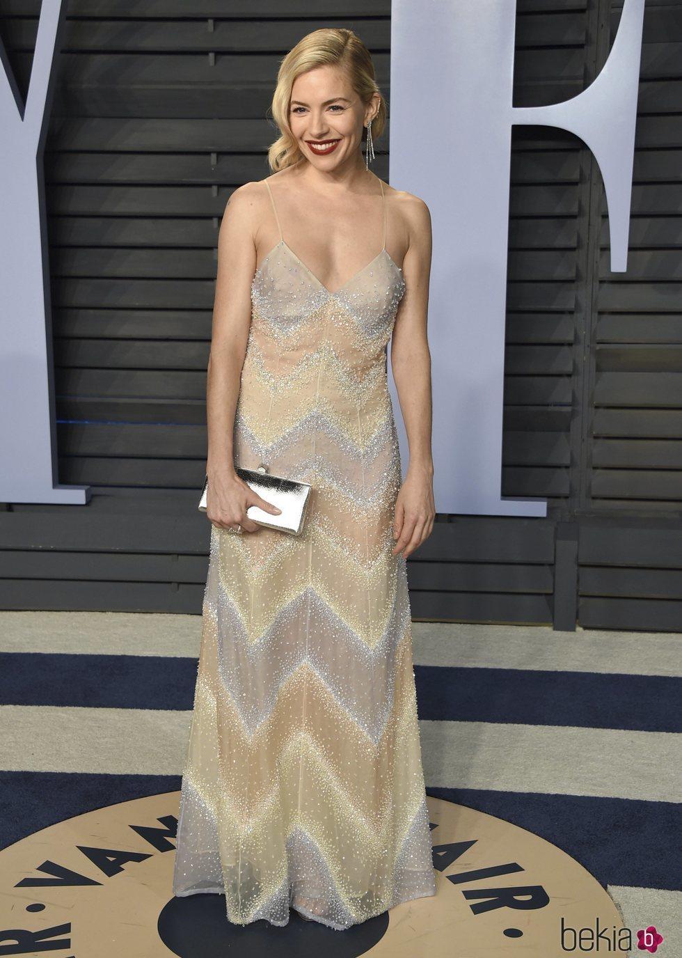 Sienna Miller en la fiesta Vanity Fair tras los Oscar 2018