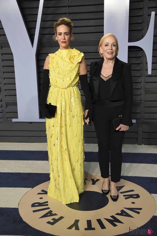 Sarah Paulson y Holland Taylor, cogidas de la mano en la fiesta Vanity Fair tras los Oscar 2018