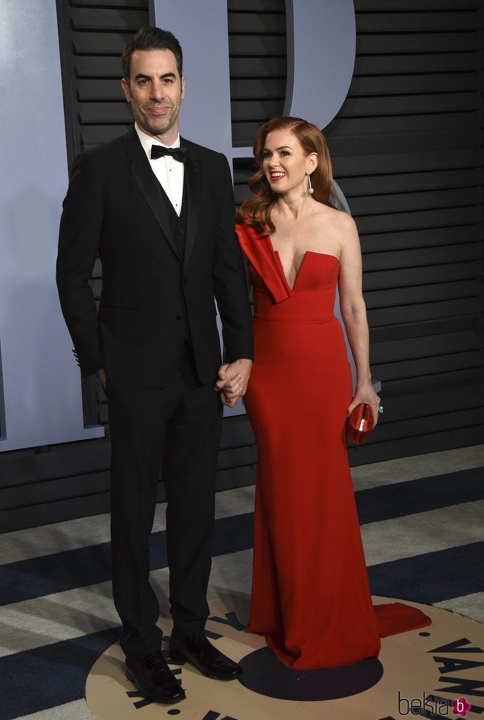 Isla Fisher y Sacha Baron Cohen en la fiesta Vanity Fair tras los Oscar 2018