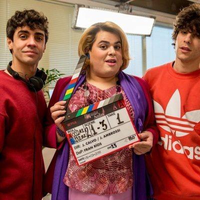 Brays Efe, Javier Calvo y Javier Ambrossi comienzan la grabación de la segunda temporada de 'Paquita Salas'