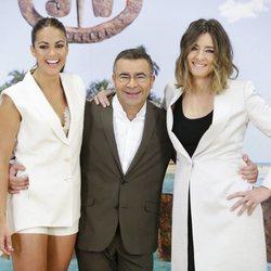 Lara Álvarez, Jorge Javier Vázquez y Sandra Barneda en la presentación de 'Supervivientes 2018'