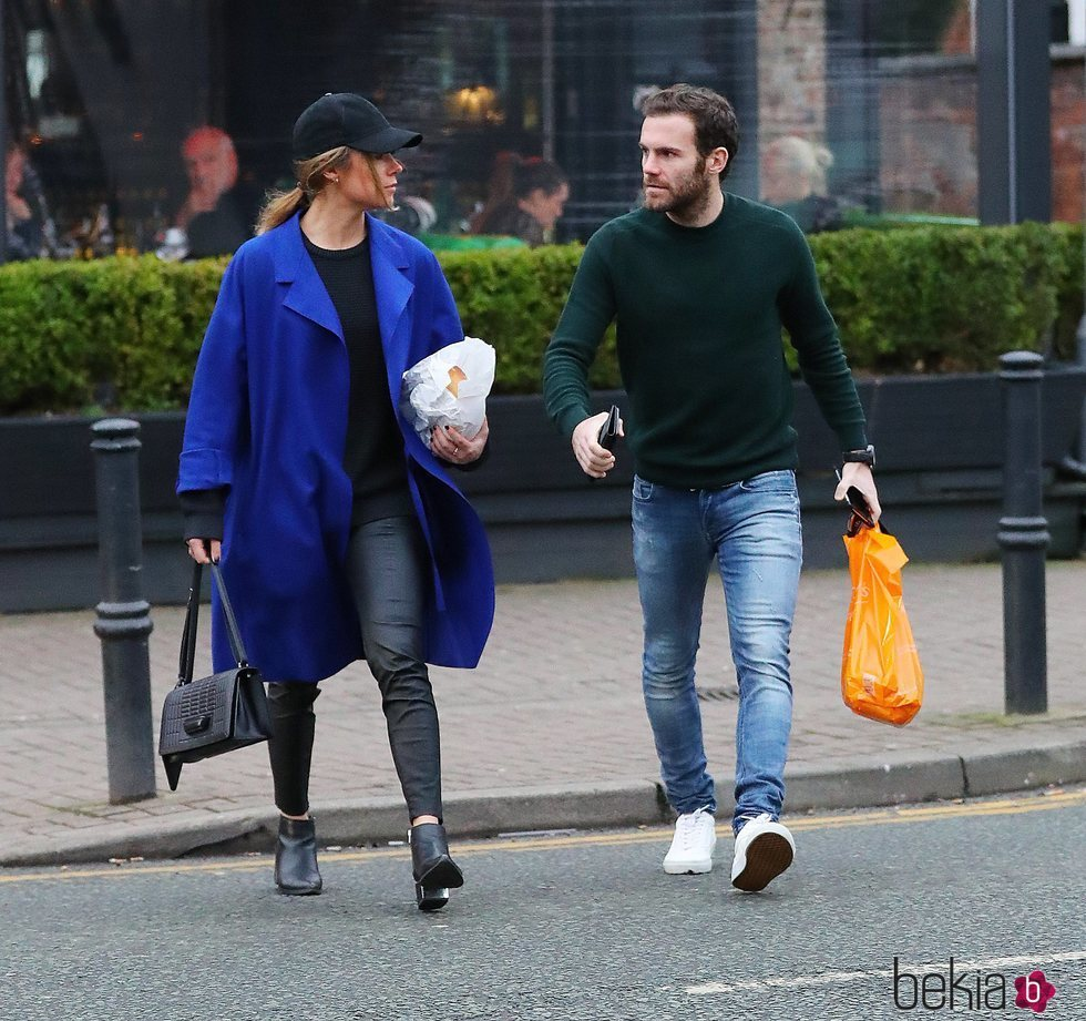Juan Mata y Evalina Kamph en Manchester
