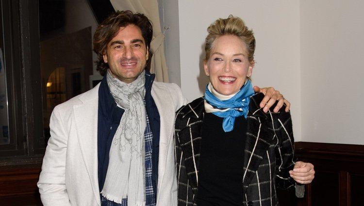 Sharon Stone junto a su nueva pareja el inversor inmobiliario, Angelo Boffa