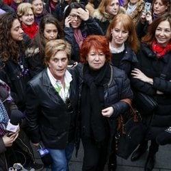 Chelo García Cortés, Rosa Villacastín y Ana Rosa Quintana en la huelga del 8 de marzo por el Día de las Mujeres