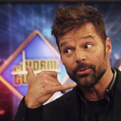 Ricky Martin, con gesto divertido en 'El hormiguero'