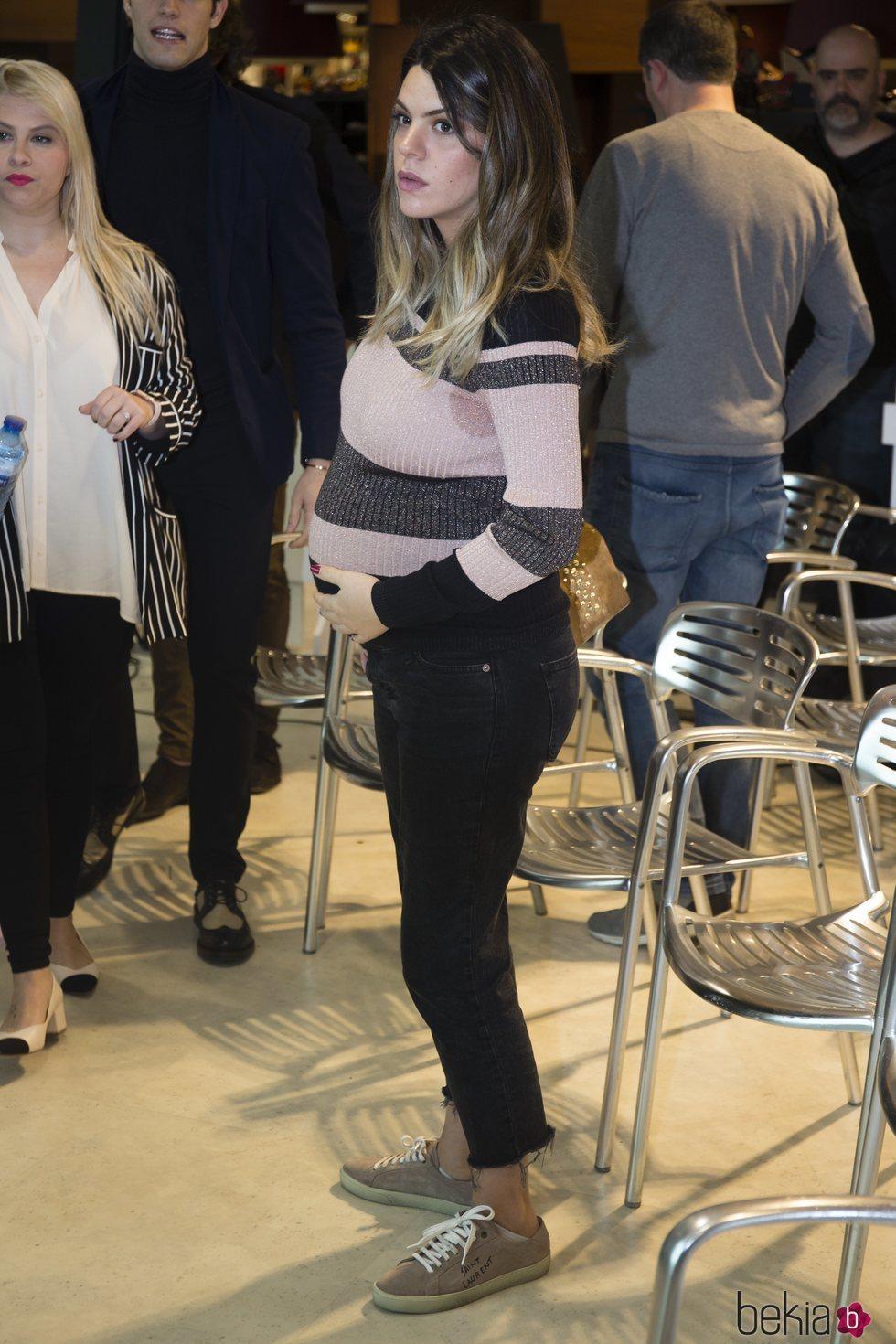 Laura Matamoros luce embarazo en la presentación de 'Baby News' en Madrid