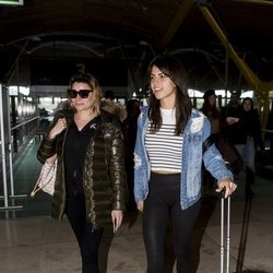 Sofía Suescun y María Lapiedra en el aeropuerto poniendo rumbo a 'Supervivientes 2018'