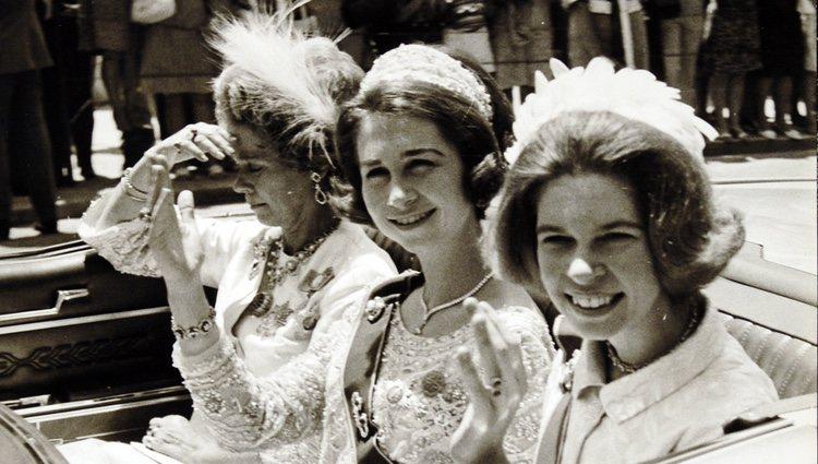 La Reina Sofía con Federica de Grecia e Irene de Grecia
