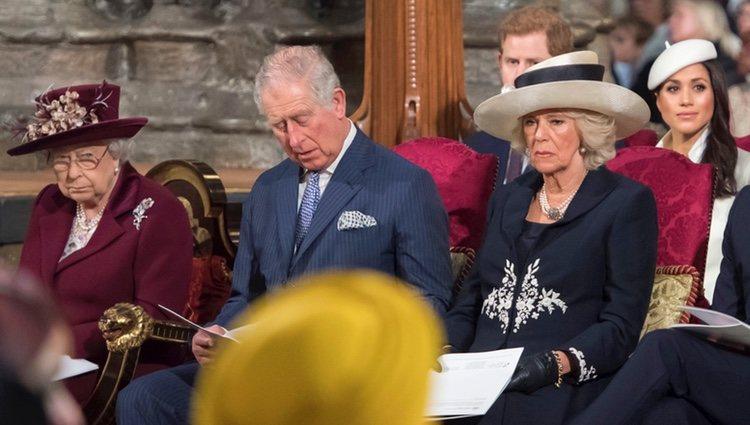 La Reina Isabel, el Príncipe Carlos, Camilla Parker, el Príncipe Harry y Meghan Markle en el Día de la Commonwealth 2018