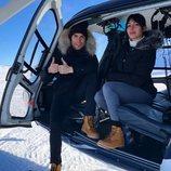 Cristiano Ronaldo y Georgina Rodríguez aterrizando en helicóptero en la nieve