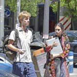 Christian de Hannovar y Alessandra de Osma de compras en Madrid