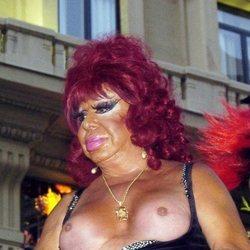 Carmen de Mairena en el desfile del orgullo gay de Madrid