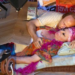 Carmen de Mairena y Santiago Segura en el rodaje de 'Torrente 4'