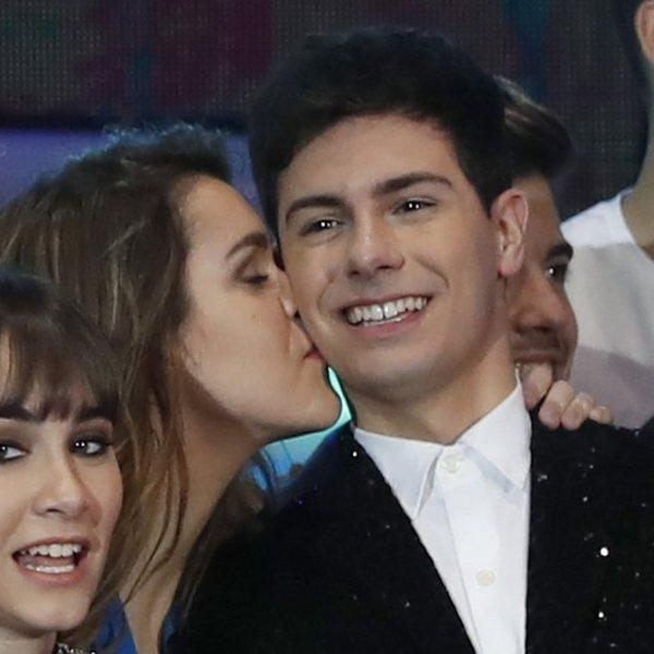 Besos y abrazos, los famosos muestran su amor