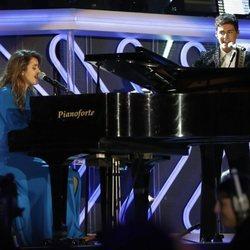Alfred y Amaia en su actuación en los Premios Cadena Dial 2018