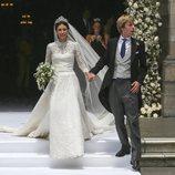 Christian de Hannover y Alessandra de Osma saliendo de la iglesia