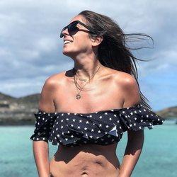 Anabel Pantoja muestra sus cicatrices en bikini