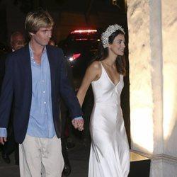 El Príncipe Christian de Hannover y Alessandra de Osma felices en el cocktail posterior a su boda