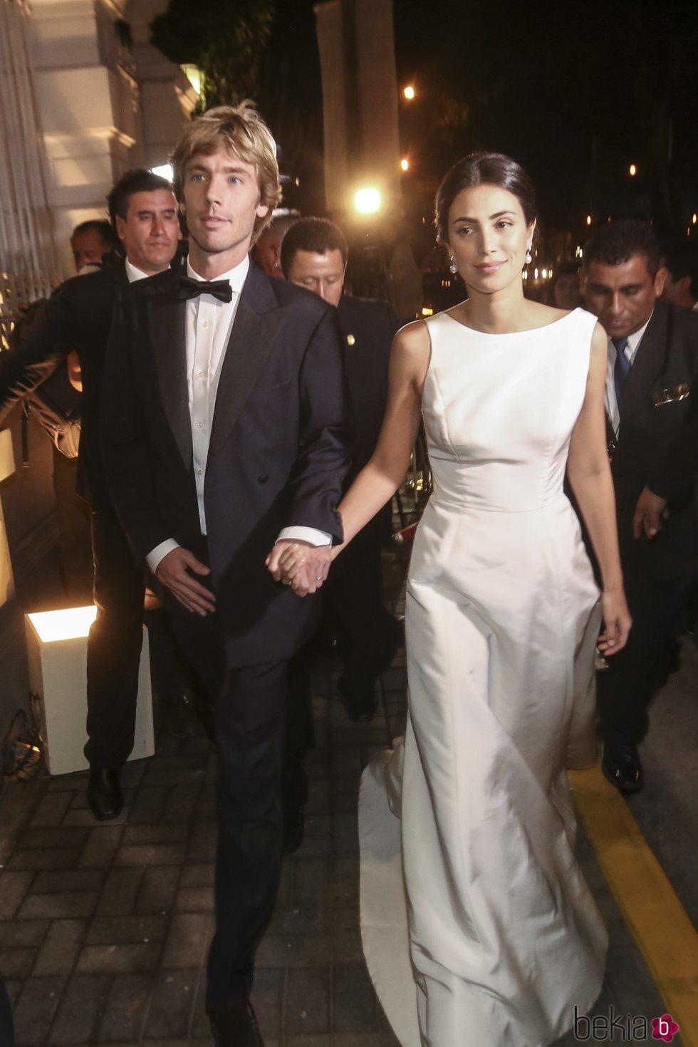 5fdd2506fd0d El Príncipe Christian de Hannover y Alessandra de Osma llegando a su ...