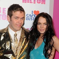 Pérez Hilton en su cumpleaños con Lindsay Lohan