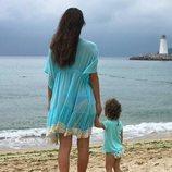 Malena Costa y su hija Matilda disfrutando de China
