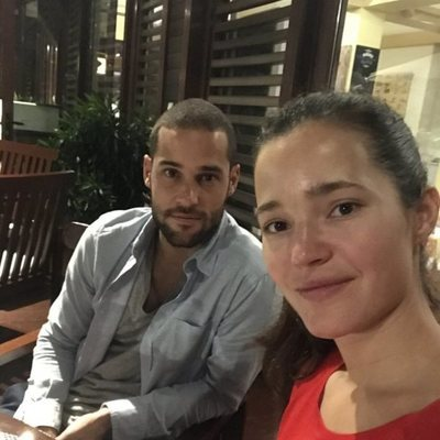 Mario Suárez y Malena Costa de vacaciones por China