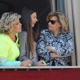 Alejandra Rubio con Terelu Campos y María Teresa Campos en un balcón en Semana Santa