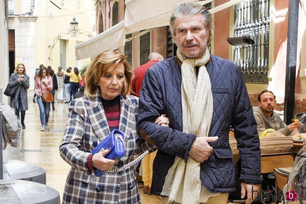 María Teresa Campos y Bigote Arrocet en la Semana Santa de Málaga