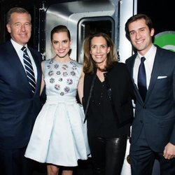 Brian, Allison, Jane y Douglas Williams en la premiere de 'Girls'