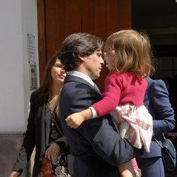 Fran Rivera y sus hijas Cayetana y Carmen en la Semana Santa de Sevilla 2018