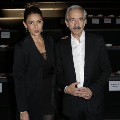 Imanol Arias e Irene Meritxell en la Semana de la moda de Madrid