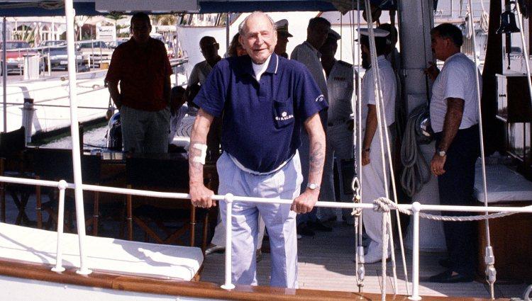 Don Juan de Borbón a bordo de un velero