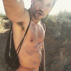 Paco León celebra la llegada de la primavera con un  nuevo desnudo