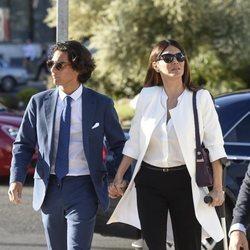 Ivonne Reyes y su hijo Alejandro en el funeral del hermano de la modelo