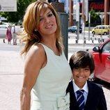Ivonne Reyes y su hijo Alejandro cuando era pequeño