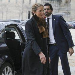 La Infanta Elena en la misa por el 25 aniversario de la muerte del Conde de Barcelona