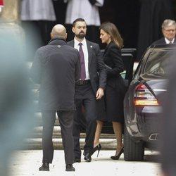 La Reina Letizia en la misa por el 25 aniversario de la muerte del Conde de Barcelona